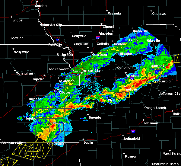 Radar Image for Severe Thunderstorms near Lincoln, MO at 4/28/2020 5:08 PM CDT