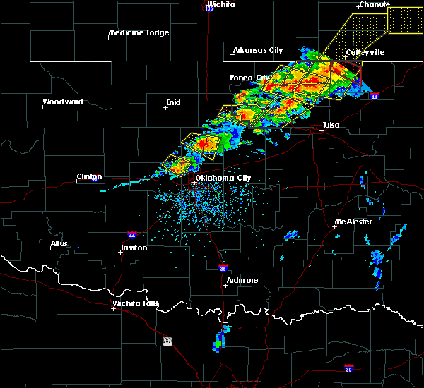 Radar Image for Severe Thunderstorms near Oklahoma City, OK at 4/28/2020 5:18 PM CDT