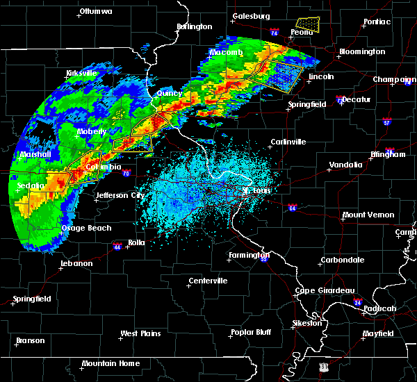 Radar Image for Severe Thunderstorms near Lupus, MO at 4/28/2020 5:22 PM CDT