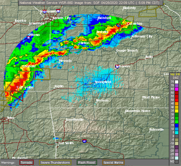 Radar Image for Severe Thunderstorms near Mulberry, KS at 4/28/2020 5:23 PM CDT