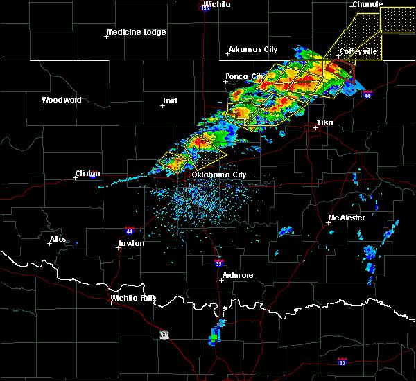 Radar Image for Severe Thunderstorms near Oklahoma City, OK at 4/28/2020 5:24 PM CDT