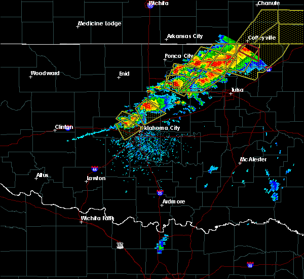 Radar Image for Severe Thunderstorms near Mulhall, OK at 4/28/2020 5:30 PM CDT