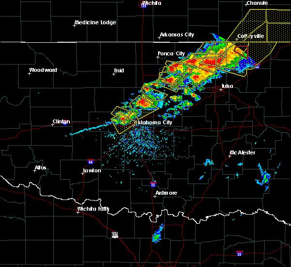 Radar Image for Severe Thunderstorms near Oklahoma City, OK at 4/28/2020 5:40 PM CDT