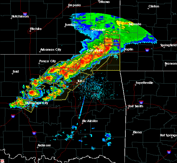 Radar Image for Severe Thunderstorms near Mounds, OK at 4/28/2020 5:48 PM CDT