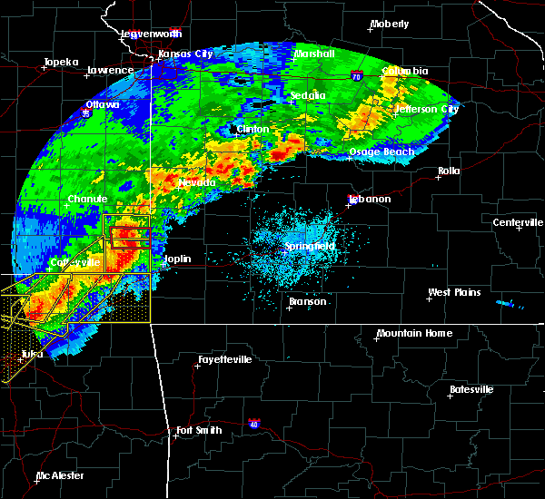 Radar Image for Severe Thunderstorms near La Russell, MO at 4/28/2020 5:55 PM CDT