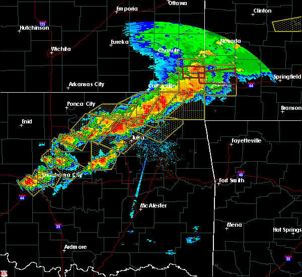 Radar Image for Severe Thunderstorms near Pryor Creek, OK at 4/28/2020 6:05 PM CDT