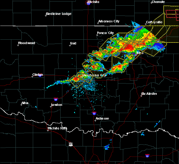 Radar Image for Severe Thunderstorms near Luther, OK at 4/28/2020 6:06 PM CDT