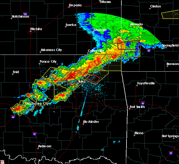 Radar Image for Severe Thunderstorms near Baxter Springs, KS at 4/28/2020 6:10 PM CDT