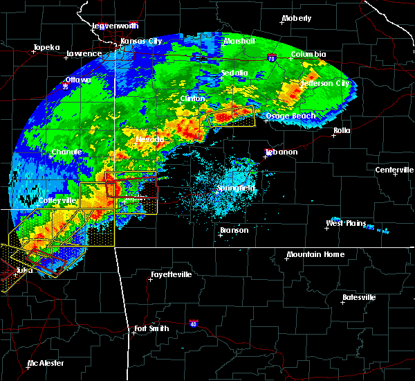 Radar Image for Severe Thunderstorms near Stella, MO at 4/28/2020 6:12 PM CDT