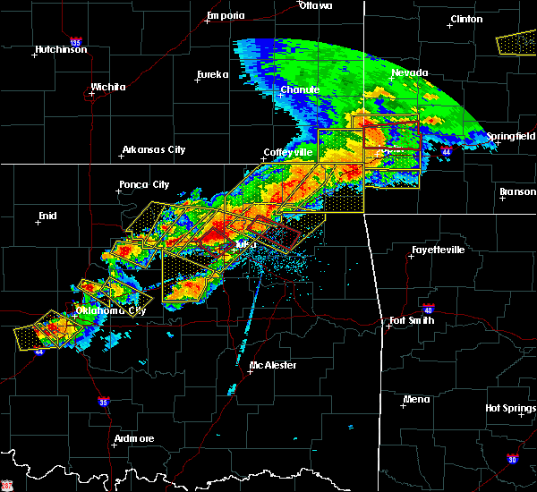 Radar Image for Severe Thunderstorms near Pryor Creek, OK at 4/28/2020 6:14 PM CDT
