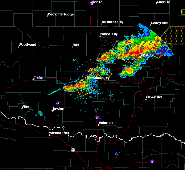 Radar Image for Severe Thunderstorms near Kendrick, OK at 4/28/2020 6:20 PM CDT