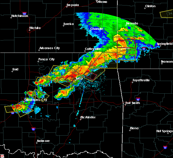 Radar Image for Severe Thunderstorms near Pryor Creek, OK at 4/28/2020 6:21 PM CDT
