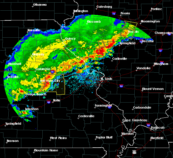 Radar Image for Severe Thunderstorms near Hermann, MO at 4/28/2020 6:27 PM CDT