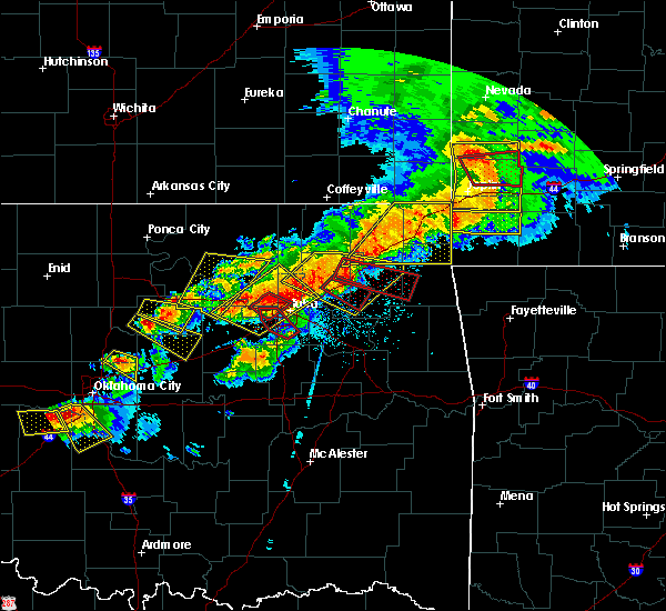 Radar Image for Severe Thunderstorms near Oakhurst, OK at 4/28/2020 6:27 PM CDT