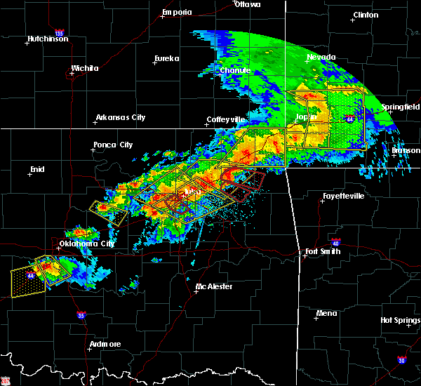 Radar Image for Severe Thunderstorms near Pryor Creek, OK at 4/28/2020 6:36 PM CDT
