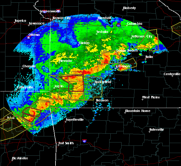 Radar Image for Severe Thunderstorms near South Greenfield, MO at 4/28/2020 7:02 PM CDT