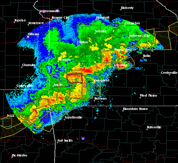 Radar Image for Severe Thunderstorms near Reeds Spring, MO at 4/28/2020 7:12 PM CDT