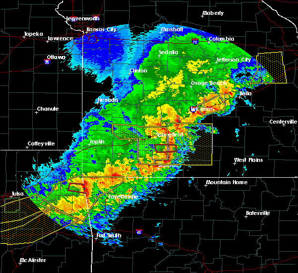 Radar Image for Severe Thunderstorms near Niangua, MO at 4/28/2020 7:40 PM CDT