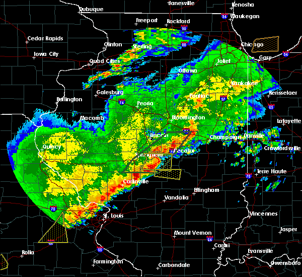 Radar Image for Severe Thunderstorms near Shelbyville, IL at 4/28/2020 7:41 PM CDT