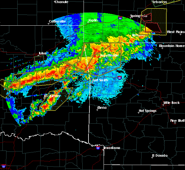 Radar Image for Severe Thunderstorms near Red Oak, OK at 4/28/2020 8:00 PM CDT