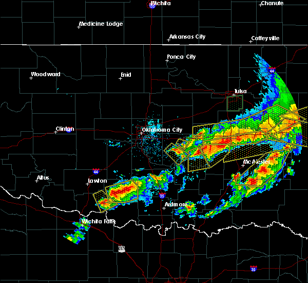 Radar Image for Severe Thunderstorms near Lamar, OK at 4/28/2020 8:15 PM CDT