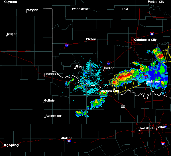 Radar Image for Severe Thunderstorms near Cornish, OK at 4/28/2020 8:28 PM CDT