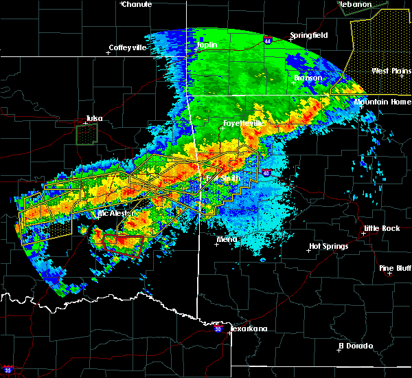 Radar Image for Severe Thunderstorms near Tuskahoma, OK at 4/28/2020 8:37 PM CDT