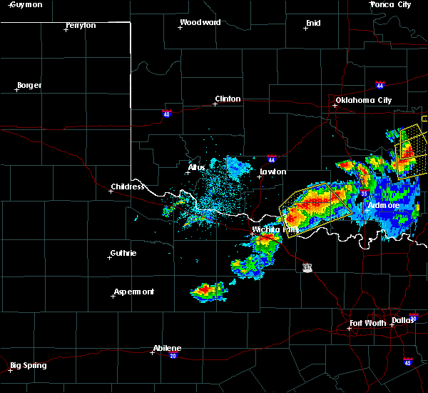 Radar Image for Severe Thunderstorms near Cornish, OK at 4/28/2020 8:41 PM CDT
