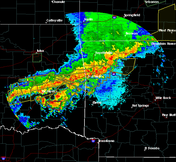 Radar Image for Severe Thunderstorms near New Blaine, AR at 4/28/2020 8:54 PM CDT