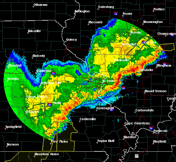 Radar Image for Severe Thunderstorms near Beckemeyer, IL at 4/28/2020 8:56 PM CDT