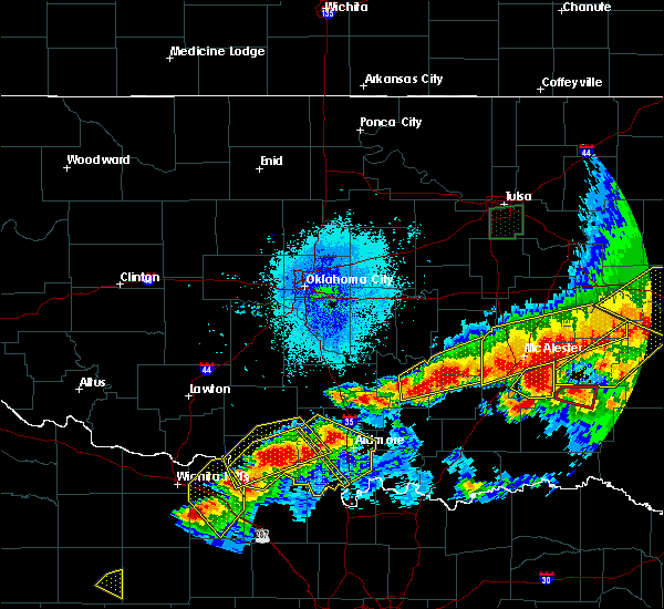 Radar Image for Severe Thunderstorms near Stonewall, OK at 4/28/2020 9:07 PM CDT