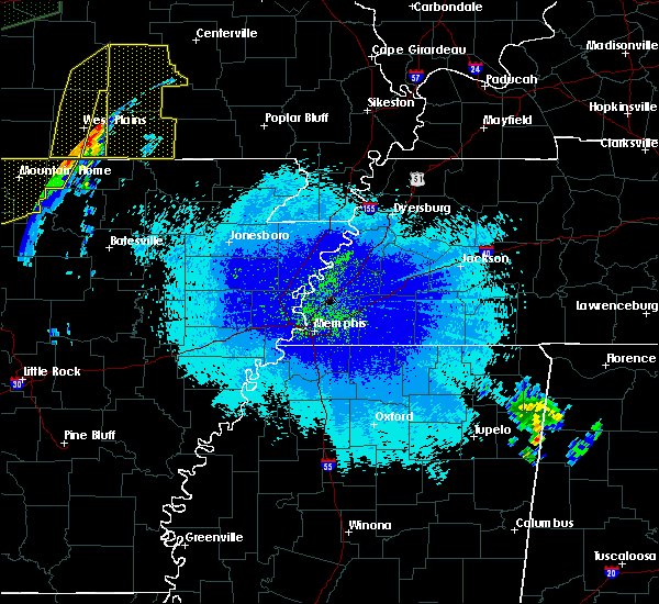 Radar Image for Severe Thunderstorms near Hardy, AR at 4/28/2020 9:10 PM CDT