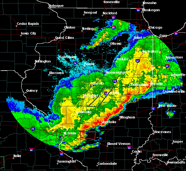 Radar Image for Severe Thunderstorms near Tuscola, IL at 4/28/2020 9:11 PM CDT