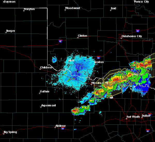 Radar Image for Severe Thunderstorms near St. Jo, TX at 4/28/2020 9:11 PM CDT