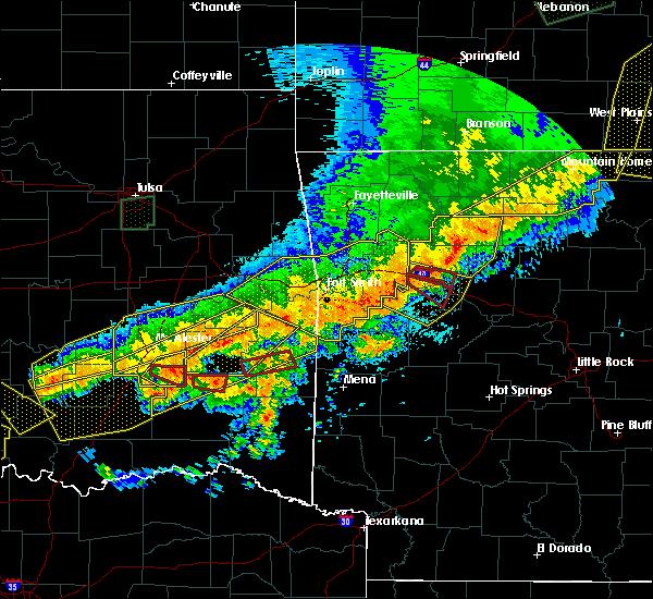 Radar Image for Severe Thunderstorms near Magazine, AR at 4/28/2020 9:17 PM CDT
