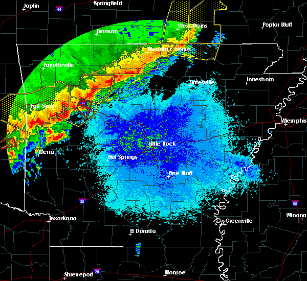 Radar Image for Severe Thunderstorms near Clinton, AR at 4/28/2020 9:21 PM CDT