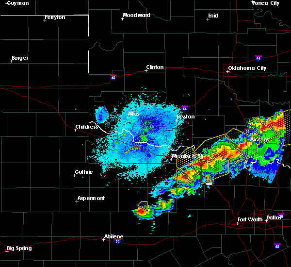 Radar Image for Severe Thunderstorms near Henrietta, TX at 4/28/2020 9:23 PM CDT
