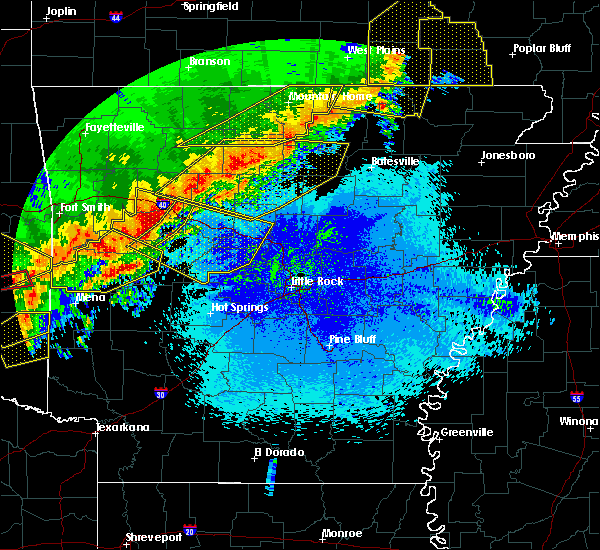 Radar Image for Severe Thunderstorms near Danville, AR at 4/28/2020 9:29 PM CDT