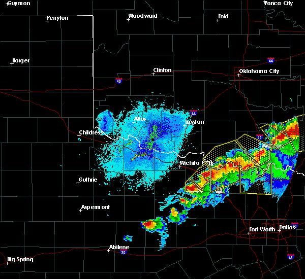 Radar Image for Severe Thunderstorms near Henrietta, TX at 4/28/2020 9:30 PM CDT