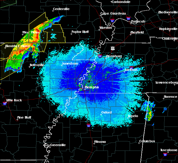 Radar Image for Severe Thunderstorms near Hardy, AR at 4/28/2020 9:33 PM CDT