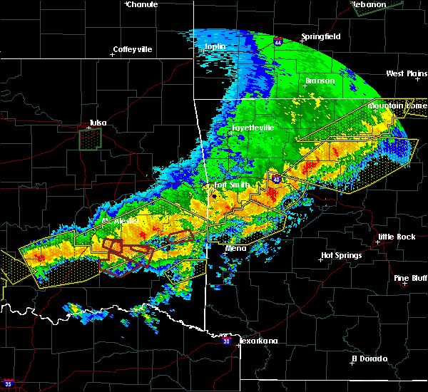 Radar Image for Severe Thunderstorms near Tuskahoma, OK at 4/28/2020 9:34 PM CDT