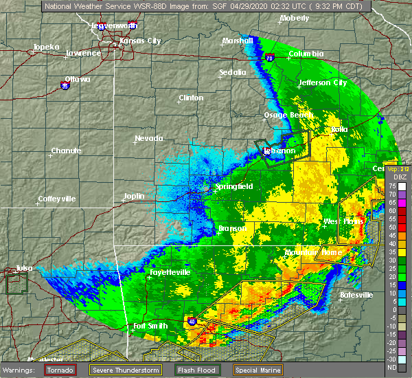 Radar Image for Severe Thunderstorms near Alton, MO at 4/28/2020 9:36 PM CDT