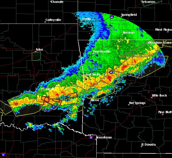Radar Image for Severe Thunderstorms near Broken Bow, OK at 4/28/2020 9:36 PM CDT