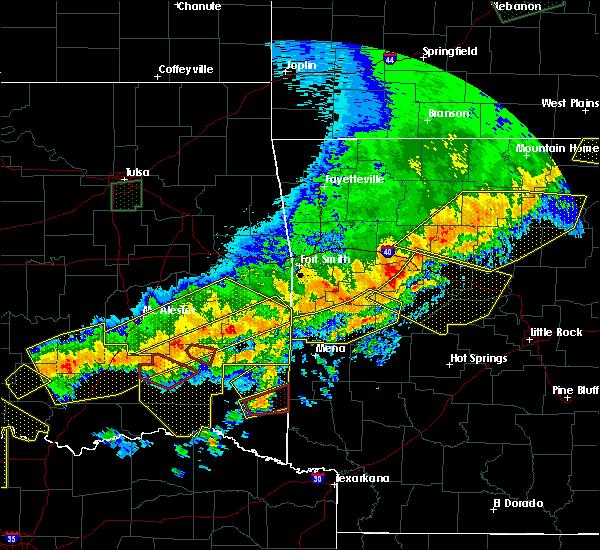 Radar Image for Severe Thunderstorms near Broken Bow, OK at 4/28/2020 9:43 PM CDT