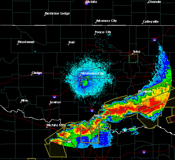 Radar Image for Severe Thunderstorms near Preston, TX at 4/28/2020 9:46 PM CDT