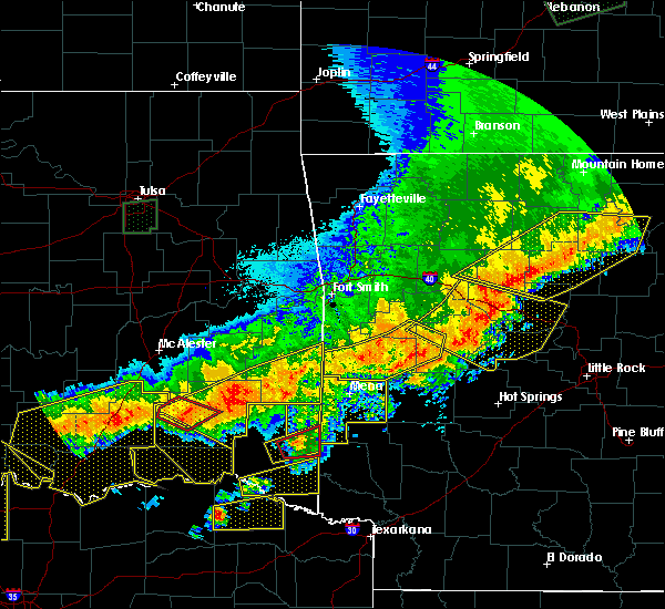 Radar Image for Severe Thunderstorms near Antlers, OK at 4/28/2020 9:50 PM CDT