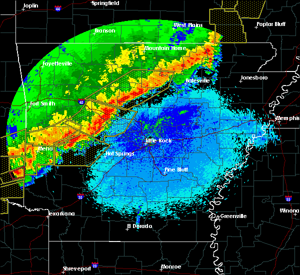 Radar Image for Severe Thunderstorms near Clinton, AR at 4/28/2020 10:01 PM CDT