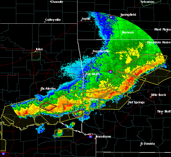 Radar Image for Severe Thunderstorms near Antlers, OK at 4/28/2020 10:03 PM CDT