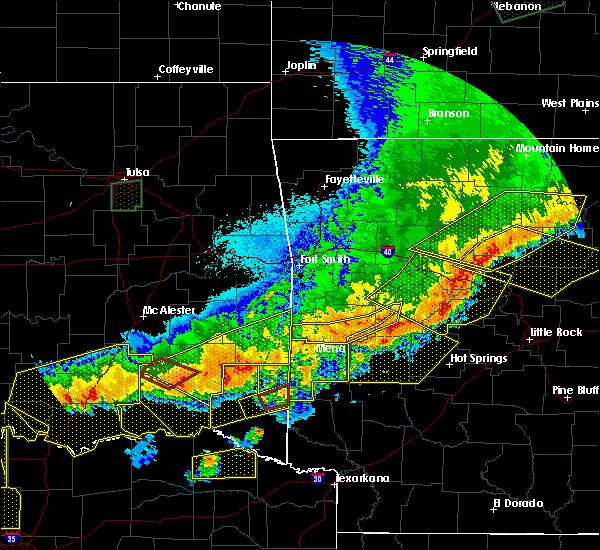 Radar Image for Severe Thunderstorms near Broken Bow, OK at 4/28/2020 10:03 PM CDT