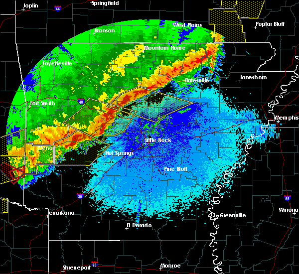 Radar Image for Severe Thunderstorms near Little Rock, AR at 4/28/2020 10:12 PM CDT